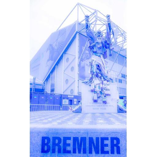 LUFC Billy Bremner Print Blue