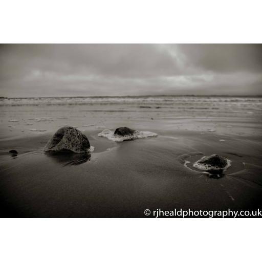 Beadnell Beach Rocks print